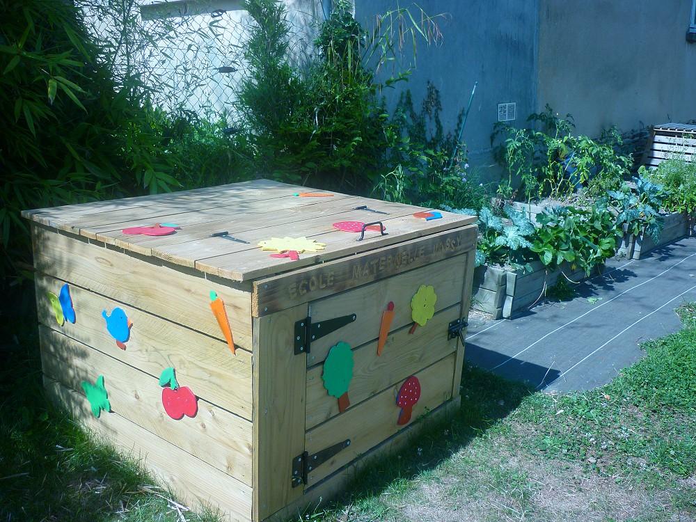 Une boite de compost pour les eleves eco-ecole